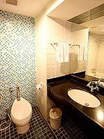パタヤ ノースパタヤのホテル : エーワン ザ ロイヤル クルーズ ホテル(A-One The Royal Cruise Hotel)のスーペリア / ニューウイングルームの設備 Bathroom