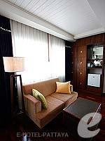 パタヤ ノースパタヤのホテル : エーワン ザ ロイヤル クルーズ ホテル(A-One The Royal Cruise Hotel)のファミリー スイートルームの設備 Living Area