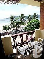 プーケット スパ併設のホテル : アブソリュート シーパール ビーチリゾート(Absolute Sea Pearl Beach Resort)のエグゼクティブルームの設備 Balcony