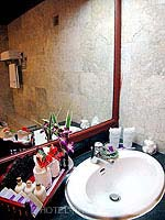 プーケット スパ併設のホテル : アブソリュート シーパール ビーチリゾート(Absolute Sea Pearl Beach Resort)のエグゼクティブルームの設備 Bathroom