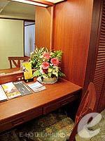 プーケット スパ併設のホテル : アブソリュート シーパール ビーチリゾート(Absolute Sea Pearl Beach Resort)のジュニアスイートルームの設備 Dresser