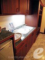 プーケット スパ併設のホテル : アブソリュート シーパール ビーチリゾート(Absolute Sea Pearl Beach Resort)のジュニアスイートルームの設備 Minibar