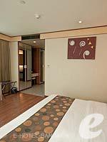 バンコク スクンビットのホテル : アデルフィ スイーツ(Adelphi Suites)のデラックス ワンベッドルームルームの設備 Room View