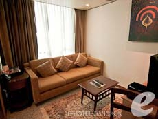 バンコク カップル&ハネムーンのホテル : アデルフィ スイーツ(Adelphi Suites)のお部屋「デラックス ワンベッドルーム」