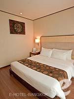 バンコク スクンビットのホテル : アデルフィ スイーツ(Adelphi Suites)のエグゼクティブ ワンベッドルームルームの設備 Bedroom