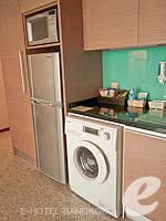 バンコク スクンビットのホテル : アデルフィ スイーツ(Adelphi Suites)のエグゼクティブ ワンベッドルームルームの設備 Kitchen