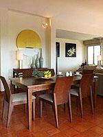 サムイ島 チョンモーンビーチのホテル : アルファ ヴィラ(Alpha Villa)の3ベッドルームルームの設備 Dining Area