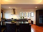 サムイ島 チョンモーンビーチのホテル : アルファ ヴィラ(Alpha Villa)の4ベッドルームルームの設備 Dining Area