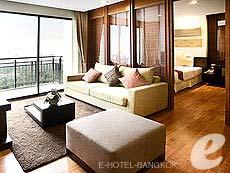 バンコク ラチャダピセーク通りのホテル : アマンタ ラチャダ サービス アパートメント(Amanta Hotel & Residence Ratchada)のお部屋「1ベッドルーム デラックス スイート プール ビュ」