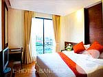 バンコク ラチャダピセーク通りのホテル : アマンタ ラチャダ サービス アパートメント(Amanta Hotel & Residence Ratchada)の2ベッドルーム グランド スイ ート プール ビュールームの設備 Room View