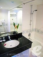 パタヤ ノースパタヤのホテル : アマリ オーシャン ホテル パタヤ(Amari Ocean Hotel Pattaya)のスーペリア / ガーデン ウィングルームの設備 Writing Desk
