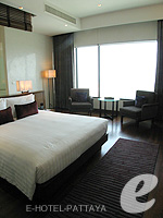 Bedroom : Duplex Suite / Ocean Tower at Amari Ocean Hotel Pattaya, North Pattaya, Pattaya