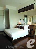 パタヤ ノースパタヤのホテル : アマリ オーシャン ホテル パタヤ(Amari Ocean Hotel Pattaya)のデュプレックススイート/オーシャンタワールームの設備 Bedroom