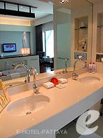 パタヤ ノースパタヤのホテル : アマリ オーシャン ホテル パタヤ(Amari Ocean Hotel Pattaya)のデュプレックススイート/オーシャンタワールームの設備 Bath Room