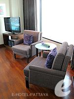 パタヤ ノースパタヤのホテル : アマリ オーシャン ホテル パタヤ(Amari Ocean Hotel Pattaya)のエグジクティブ クラブ オーシャン ビュー / オーシャン タワールームの設備 Chair
