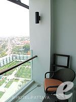 Balcony : Executive Club Ocean View / Ocean Tower at Amari Ocean Hotel Pattaya, North Pattaya, Pattaya