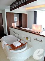 パタヤ ノースパタヤのホテル : アマリ オーシャン ホテル パタヤ(Amari Ocean Hotel Pattaya)のエグジクティブ クラブ オーシャン ビュー / オーシャン タワールームの設備 Bath Room