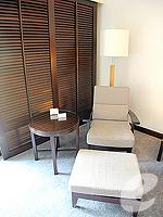 パタヤ ノースパタヤのホテル : アマリ オーシャン ホテル パタヤ(Amari Ocean Hotel Pattaya)のデラックス / ガーデン ウィングルームの設備 Living area
