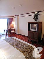 バンコク チャオプラヤー川周辺のホテル : アナンタラ リバーサイド バンコク リゾート(Anantara Riverside Bangkok Resort)のデラックスルームの設備 Bedroom