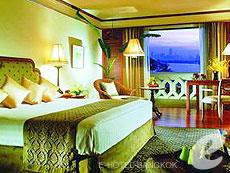バンコク チャオプラヤー川周辺のホテル : アナンタラ リバーサイド バンコク リゾート(Anantara Riverside Bangkok Resort)のお部屋「デラックス リバービュー」