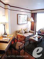 バンコク カップル&ハネムーンのホテル : アナンタラ リバーサイド バンコク リゾート(Anantara Riverside Bangkok Resort)のジュニア スイートルームの設備 Living Room