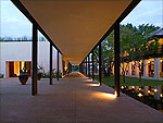Passage : Anantara Chiang Mai Resort & Spa, USD 100 to 200, Phuket