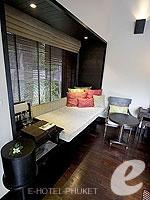 プーケット インターネット接続(無料)のホテル : アナンタラ マイカオ プーケット ビラ(Anantara Mai Khao Phuket Villas)のプールヴィラルームの設備 Day Bed