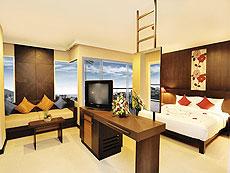 プーケット プールアクセスのホテル : アンダキラ ホテル(1)のお部屋「デラックス(ツイン/ダブル)」