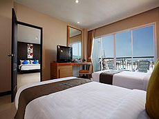 プーケット プールアクセスのホテル : アンダキラ ホテル(1)のお部屋「ファミリースイート」