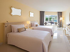 プーケット パトンビーチのホテル : アンダマン エンブレイス リゾート & スパ(1)のお部屋「アンダマン デラックス」