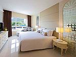 プーケット 2ベッドルームのホテル : アンダマン エンブレイス リゾート & スパ(Andaman Embrace Resort & Spa)のジュニアスイートルームの設備 Bedroom
