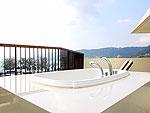 プーケット パトンビーチのホテル : アンダマン エンブレイス リゾート & スパ(Andaman Embrace Resort & Spa)のエンブレース スイート(2ベッドルーム)ルームの設備 Outdoor Buthtub
