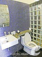 クラビ インターネット接続(無料)のホテル : アオナン パラダイス リゾート(Aonang Paradise Resort)のデラックス ルームルームの設備 Bathroom