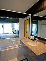 プーケット カップル&ハネムーンのホテル : エーピーケー リゾート(APK Resort)のデラックスルームの設備 Bath Room