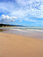 Beach : Apsara Beachfront Resort & Villa, Khaolak, Phuket
