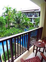 プーケット カップル&ハネムーンのホテル : アプサラ ビーチフロント リゾート & ヴィラ(Apsara Beachfront Resort & Villa)のスーペリアルームの設備 Balcony