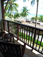 プーケット カップル&ハネムーンのホテル : アプサラ ビーチフロント リゾート & ヴィラ(Apsara Beachfront Resort & Villa)のデラックスルームの設備 Balcony