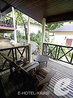 クラビ ピピ島のホテル : アヤラブリ リゾート ピピ(Arayaburi Resort Phi Phi)のアラヤ デラックス ビラルームの設備 Terrace