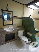 クラビ ピピ島のホテル : アヤラブリ リゾート ピピ(Arayaburi Resort Phi Phi)のアラヤ グランド デラックス ビラルームの設備 Bath Room