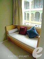 プーケット 5,000円以下のホテル : アスペリー ホテル(Aspery Hotel)のスーペリアルームの設備 Sofa