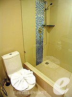 プーケット 5,000円以下のホテル : アスペリー ホテル(Aspery Hotel)のスーペリアルームの設備 Bath Room