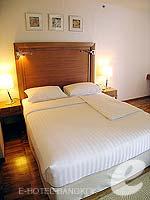 バンコク シーロム・サトーン周辺のホテル : アット イース サラデーン バイ アエタス(At Ease Saladaeng by Aetas)のスイートルームの設備 Bedroom