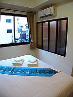 プーケット ロングステイのホテル : @ ホワイト パトン ブティック ホテル  (@White Patong Boutique Hotel)のスタンダードルームの設備 Bedroom