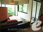 プーケット パトンビーチのホテル : アヴァンティカ ブティック ホテル(Avantika Boutique Hotel)のデラックス プールアクセスルームの設備 Kiving Area