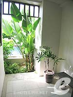 プーケット パトンビーチのホテル : アヴァンティカ ブティック ホテル(Avantika Boutique Hotel)のデラックス プールアクセスルームの設備 Terrace