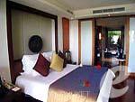 プーケット ヴィラコテージのホテル : アヤラ ヒルトップス リゾート & スパ(Ayara Hilltops Resort & Spa)のデラックス スイートルームの設備 Bedroom