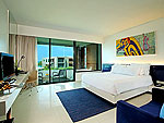 プーケット ファミリー&グループのホテル : B レイ トン プーケット(B-Lay Tong Phuket)のジャグジー スイートルームの設備 Room View