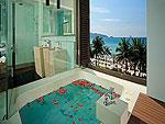 プーケット スパ併設のホテル : B レイ トン プーケット(B-Lay Tong Phuket)のプレミアム ジャグジー スイートルームの設備 Jaguzzi