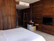Deluxe Room : Baan Ploy Sea, Beach Front, Pattaya
