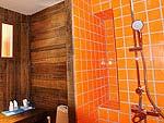Bath Room : Deluxe Seaview at Baan Ploy Sea, Beach Front, Pattaya